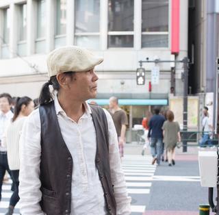 Takashi Hirayasu singer