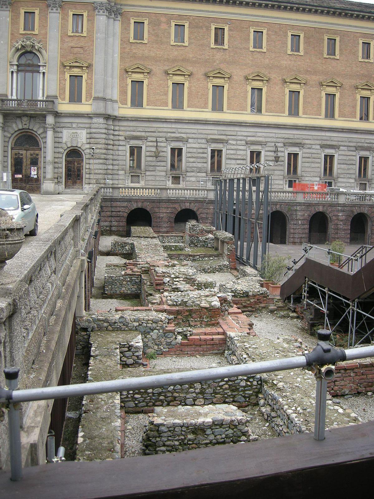 1200px Teatro romano di torino 01 JPG