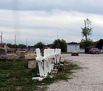 Tornado outbreak of April 20, 2004 - Memorial crosses, Utica