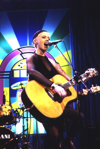Dolores O'Riordan - The Cranberries performing on the Roxy Bar show at Bologna in 1995