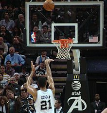Duncan shooting a free throw