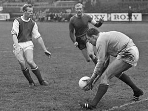 FC Groningen - Goalkeeper Tonny van Leeuwen and Martin Koeman (white sleeves) playing for GVAV against DWS in 1967