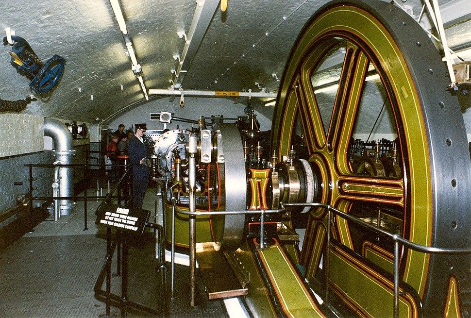 Tower bridge steam engine