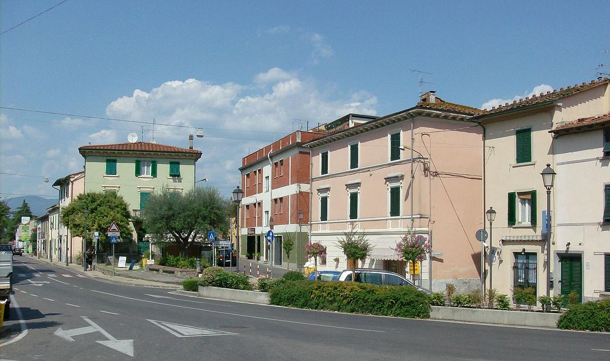 File:Town centre of Cantagrillo, near Pistoia, Tuscany ...