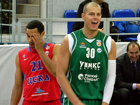 Trajan Langdon and Maciej Lampe at all-star PBL game 2011.JPG