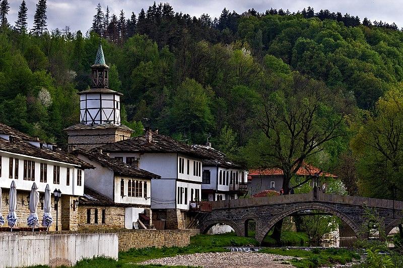 Часовниковата кула, Гърбавият мост и възрожденските къщи в Трявна