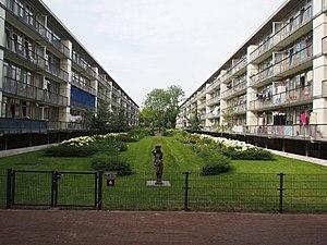 Bos en Lommer - Garden between the Charlotte de Bourbonstraat, Louise de Colignystraat and Anna van Burenstraat