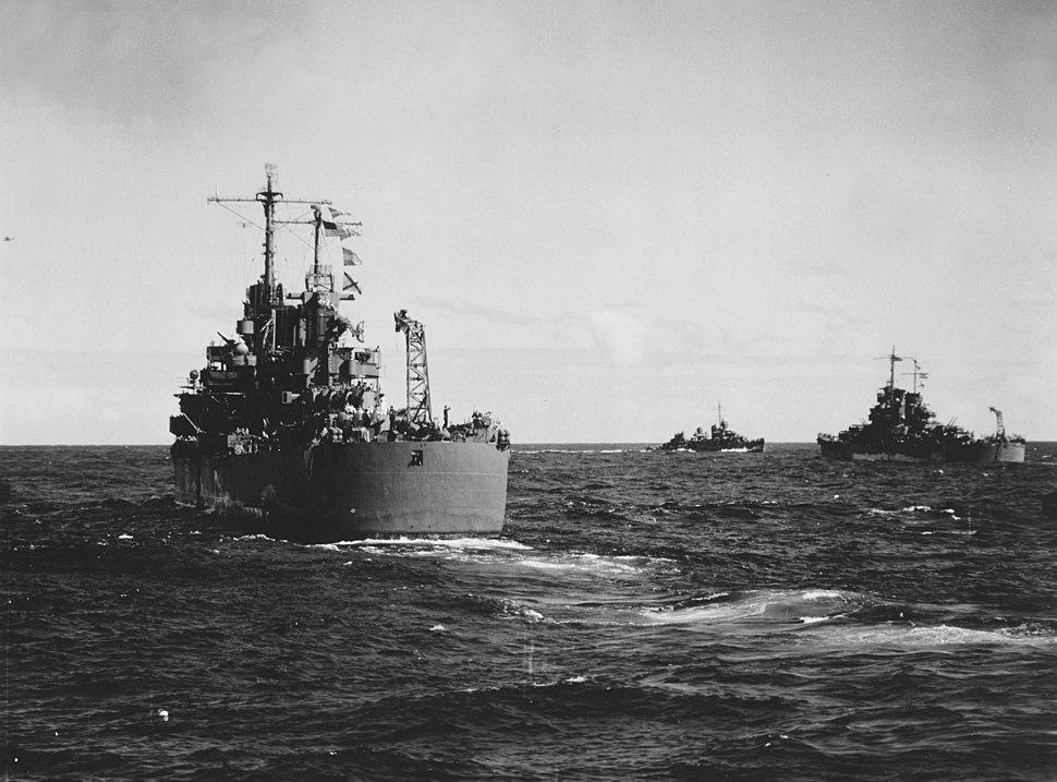 USS Honolulu (CL-48) and USS St. Louis (CL-49) returning from the Battle of Kula Gulf on 6 July 1943 (NH 83012)