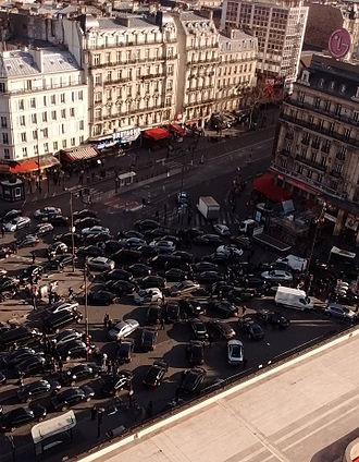Legality of TNCs by jurisdiction - Uber drivers on strike at Montparnasse, Paris, February 3, 2016