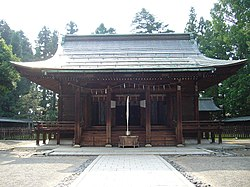 Uesugi shrine 1.jpg