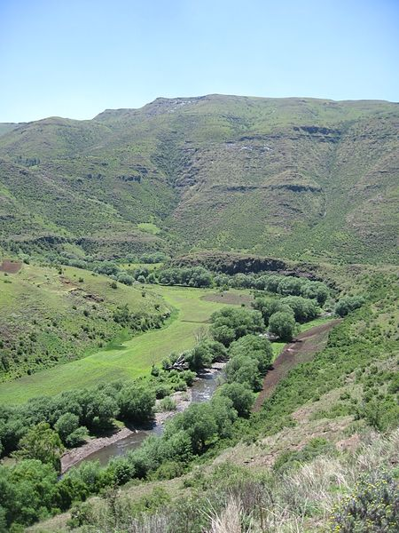 File:Unnamed Road, Jaele, Lesotho - panoramio (2).jpg