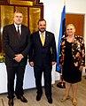 Välisministeeriumi kantsler Alar Streimann, Eesti aukonsul Liverpoolis Kai Hughes ja Eesti suursaadik Ühendkuningriigis Aino Lepik von Wiren (8222578945).jpg