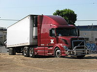 VOLVO TRUCK AUG 31 2007 WASHINGTON BLVD LOS ANGELES IMAGE PATRICE RAUNET HOLLYWOOD.jpg