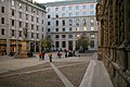 Veduta della piazza San Fedele a Milano con palazzo Marino a destra.jpg