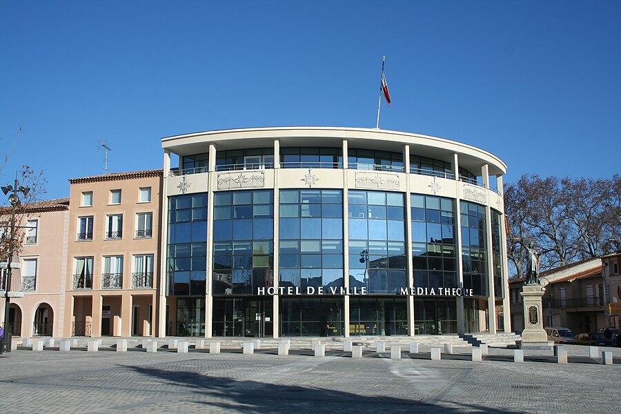 Villeneuve-lès-Béziers (Hérault) - mairie et médiathèque.