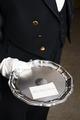 """Visitkort på silverfat. Utställningen """"Smak av svunnen tid"""" år 2007 - Hallwylska museet - 86325.tif"""