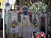 Viska church inside.jpg