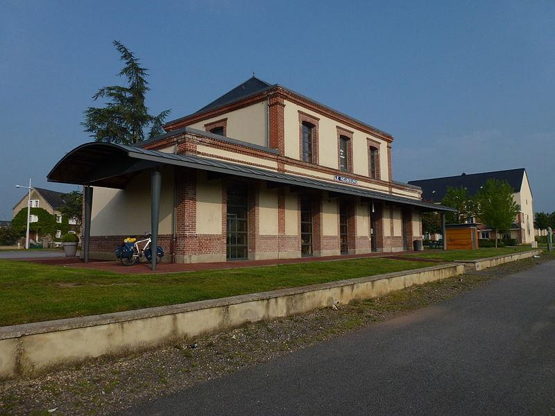 Fichier voie verte vreux vall e du bec 08 ancienne gare actuellement ot le neubourg jpg - Office du tourisme le neubourg ...