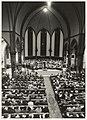 Volkskerstzang door de gezamelijke koren van Bennebroek in de St. Jozefkerk aan de Kerklaan 9. NL-HlmNHA 54020742.JPG