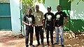 Vue ensemble Wikimédiens du Bénin avec le conservateur du jardin botanique uac.jpg