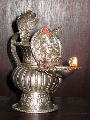 Sagan (ceremony) - Sukunda oil lamp made of silver