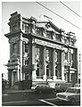 Wellington. Side view of the Te Aro Branch of the Bank of New Zealand on the corner of Cuba and Manners Streets (34243583721).jpg