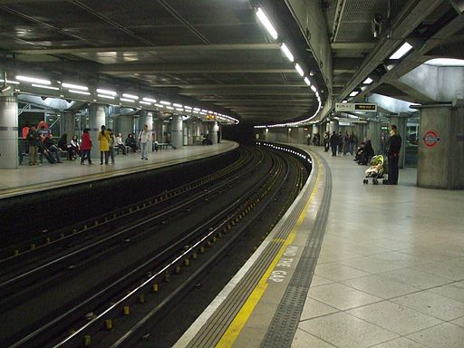Westminster station Circle look anticlockwise
