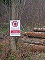 When visiting the Wyre Forest, Peidiwch a dringo ar y pentyrau coed - geograph.org.uk - 1091607.jpg