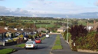 Cookridge - Wrenbury Crescent looking towards the airport