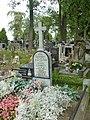 Zabytkowe groby na cmentarzu w Jazgarzewie 5.jpg