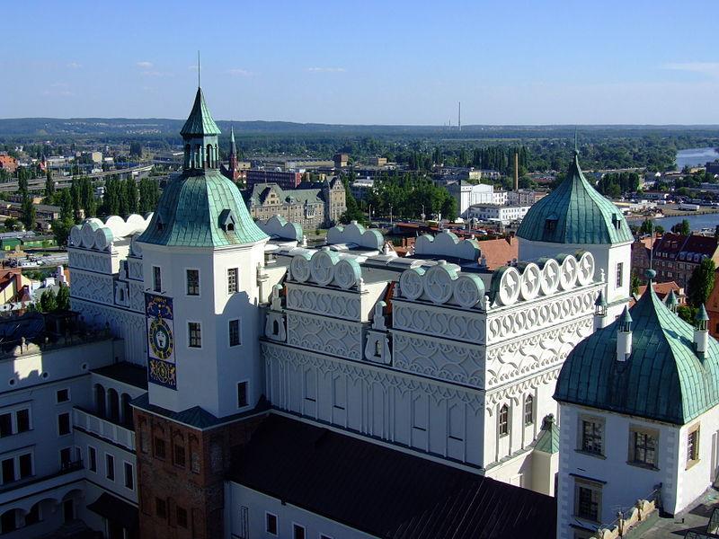 Zamek Ksiazat Pomorskich w Szczecinie (widok z wiezy).jpg
