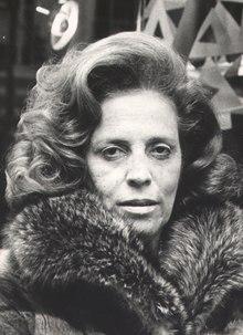Zuzu Angel durante o lançamento de sua coleção em Nova York, 1972.tif