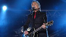 220px-Mike peters 07.jpg