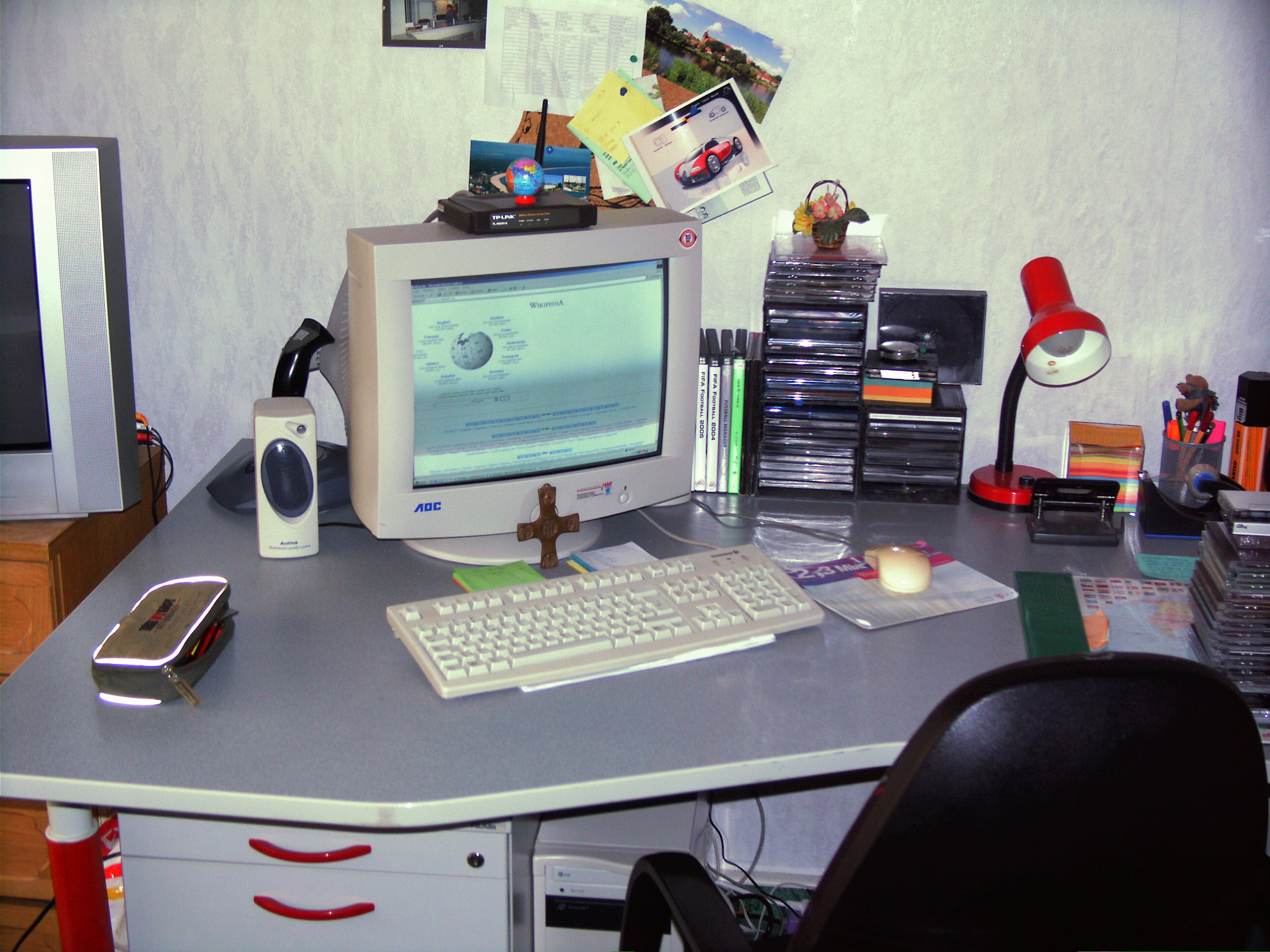 arbeitsplatz interior design und m bel ideen. Black Bedroom Furniture Sets. Home Design Ideas