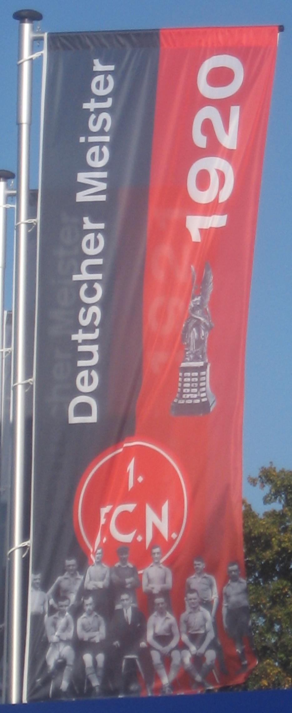 Fahne zur Meisterschaft am Frankenstadion