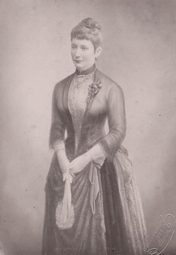 Auguste Victoria um 1888, unbekannter Fotograf
