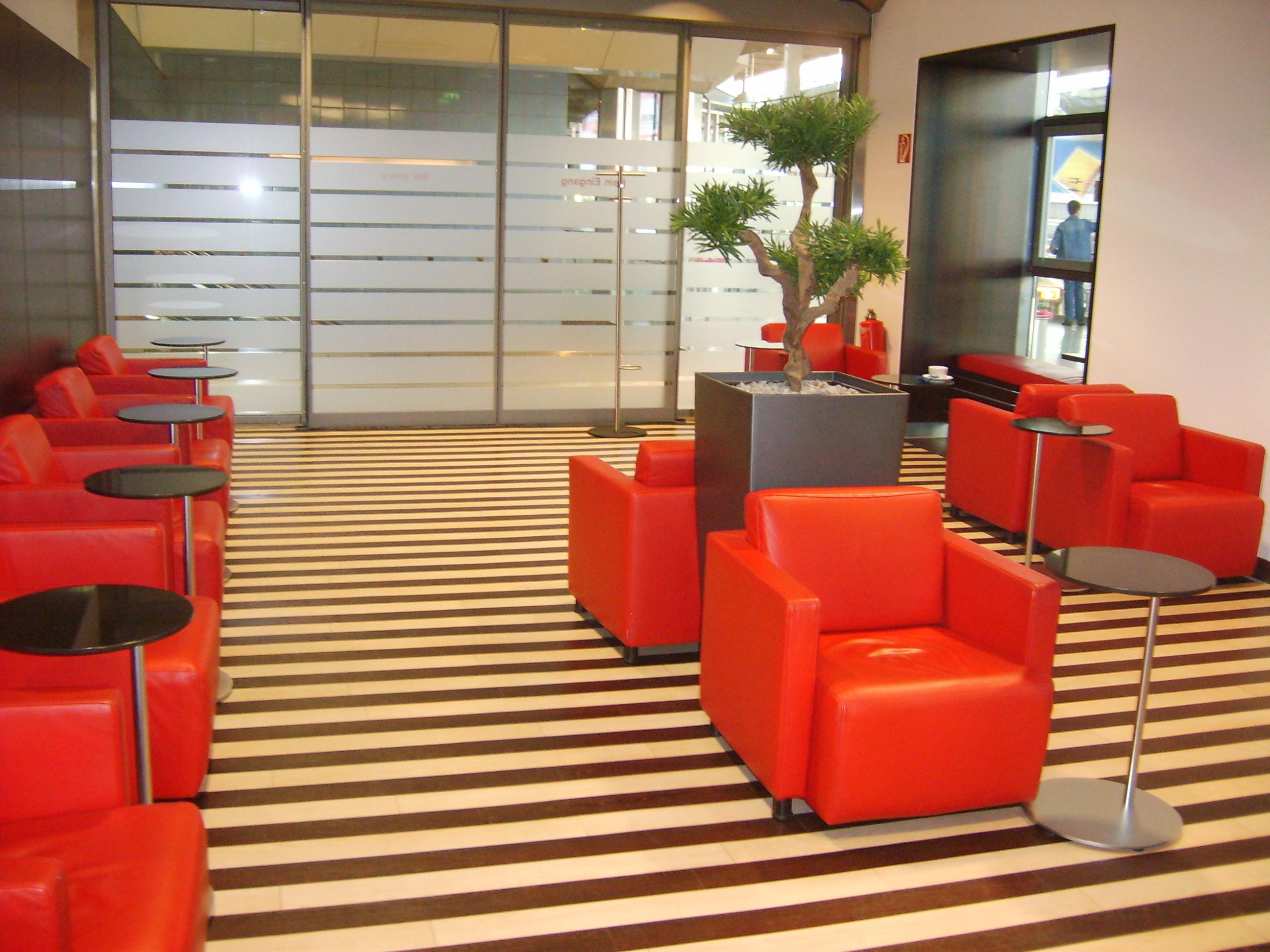 Datei:DB Lounge - 1. Klasse-Bereich München Hbf 3.JPG – Wikipedia