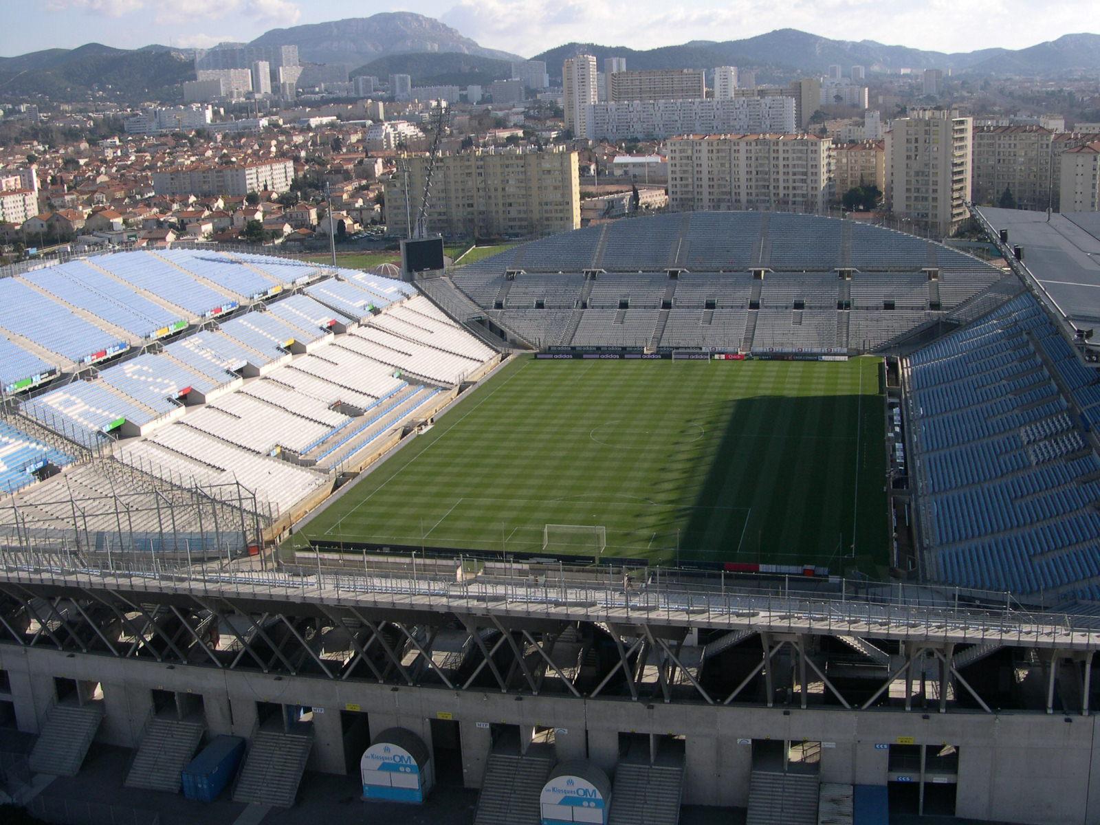 Vue du Stade Vélodrome depuis la Tour France 3.jpg