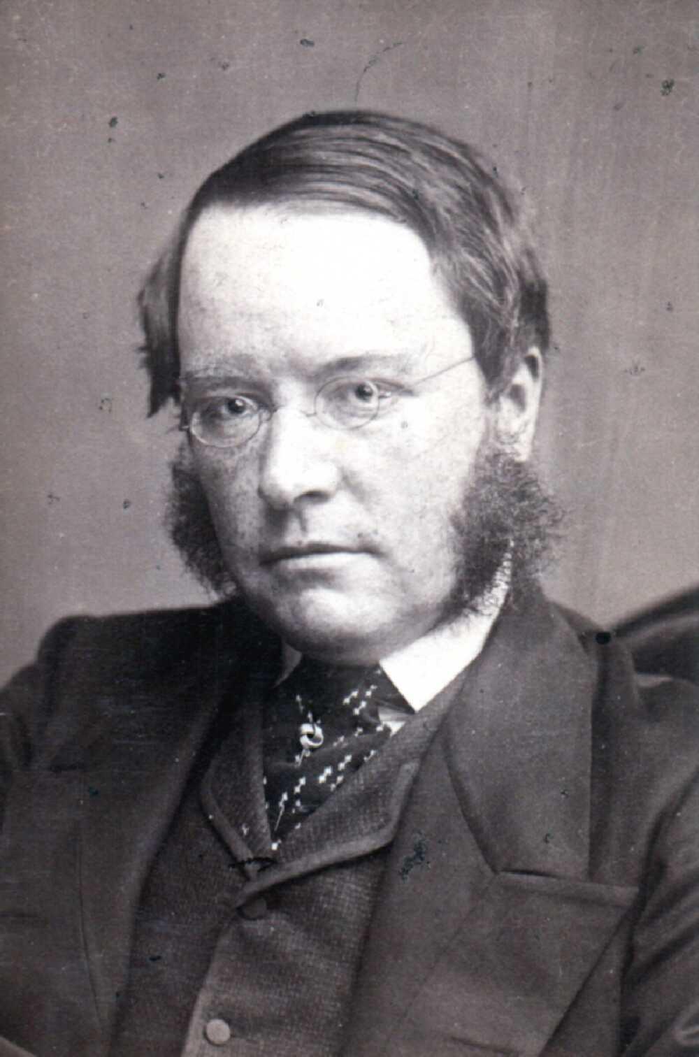 Charles St W C Kitchener On Ng H