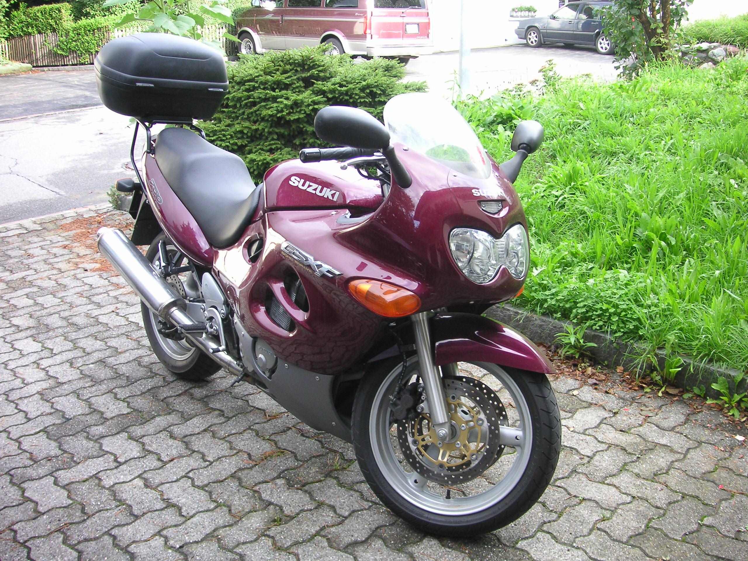 Wszystkie nowe Suzuki GSX 750 F – Wikipedia MO69