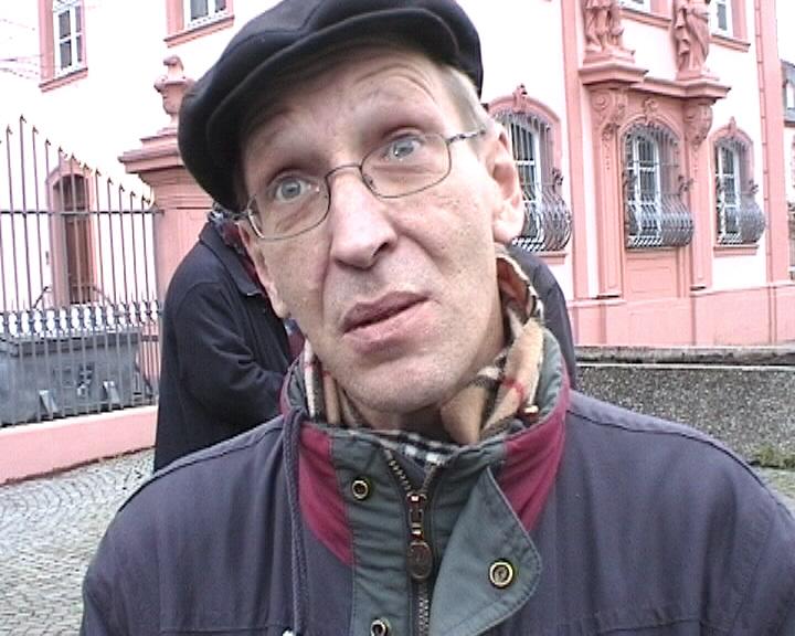 https://upload.wikimedia.org/wikipedia/de/d/db/Martin-Behrsing-1.jpg