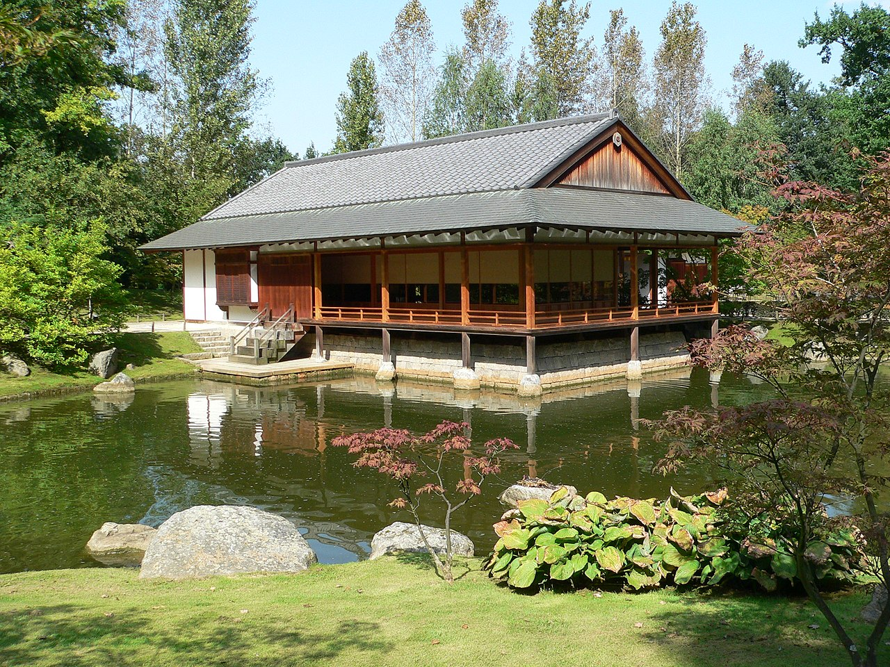 Datei:Hasselt Japanischer Garten Teehaus 20060906.JPG