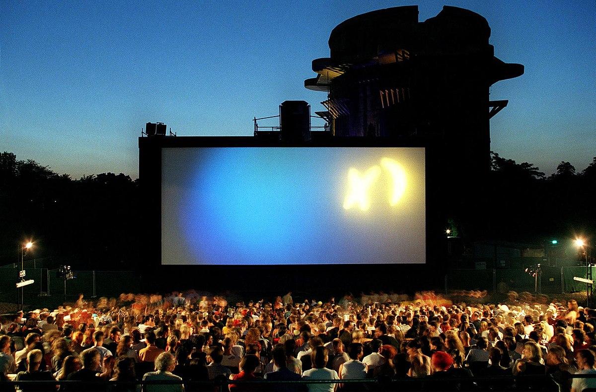 Kino unter Sternen – Wikipedia