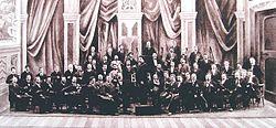 Die Meininger Hofkapelle mit Dirigent Fritz Steinbach 1899 (Quelle: Wikimedia)