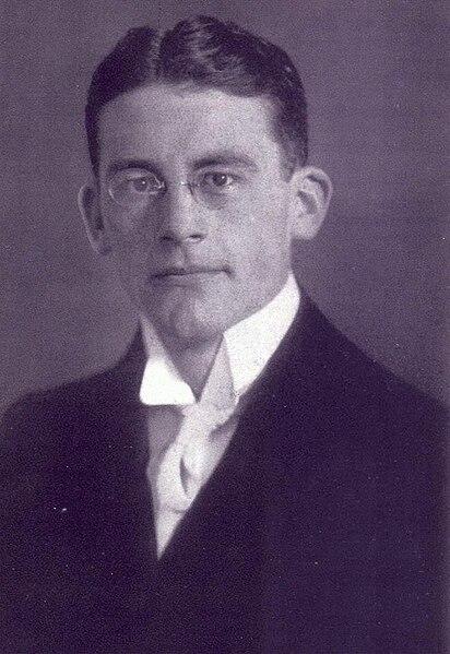 Datei:Carl Schmitt als Student 1912.jpg