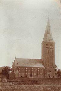 St. Martinus in Niederembt mit alter Turnspitze (um 1900)