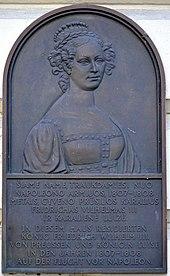 Gedenktafel an den Aufenthalt von Königin Luise und ihres Ehemanns zwischen 1807 und 1808 in Memel. (Quelle: Wikimedia)