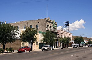 Die Andy Devine Avenue (Route 66) in Downtown