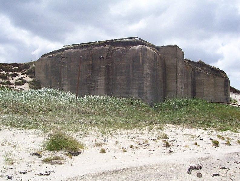 http://upload.wikimedia.org/wikipedia/de/thumb/e/ea/Fanoe_bunker_halevejen.jpg/794px-Fanoe_bunker_halevejen.jpg