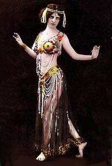 Oriental Dancers Die In Car Crash